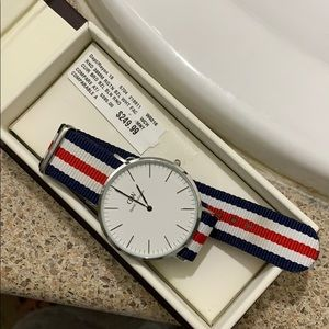 Authentic Daniel Wellington watch need new battery